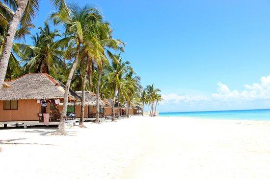 Budyong Beach Resort: Waterfront Bungalow
