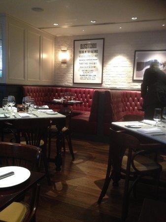 Reform Social & Grill : Nice clubby interior