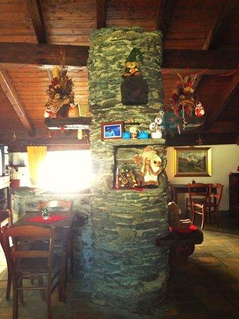 Hotel Baita Cretaz : Living room