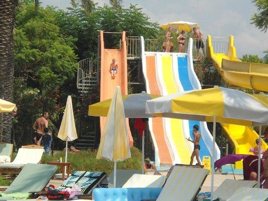 Fantasia Hotel De Luxe : glijbanen voor de kinderen
