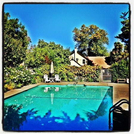 Farmhouse Inn: The Pool area