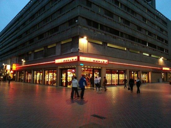 Lunapark Reflex by night