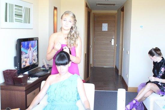 Dolce Sitges: En la habitación preparandonos para la boda.