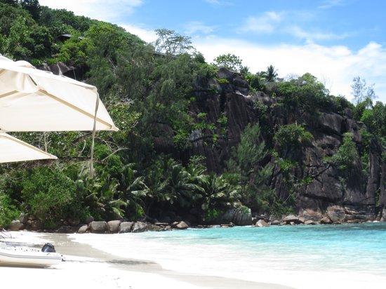 Four Seasons Resort Seychelles: Beach1