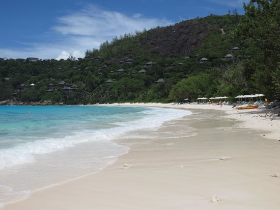 Four Seasons Resort Seychelles: Beach2