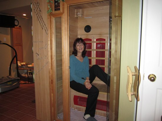 Judi's Studio & Health Spa : One of the Infrared Dry Saunas