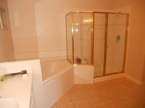 Bahama Bay Resort Orlando by Wyndham Vacation Rentals: Master Bathroom