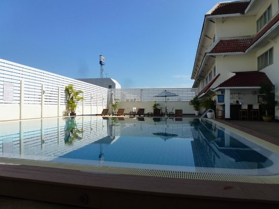Mercure Chiang Mai : Pool area on the 3rd floor