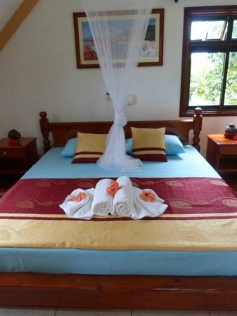 Chalets d'Anse Reunion: Schlafzimmer mit Balkon