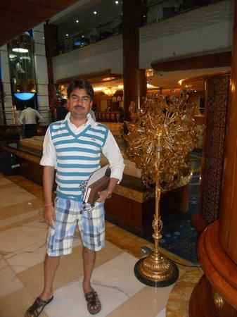 Grand Excelsior Hotel Bur Dubai : At Reception