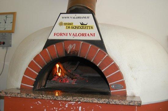 Pizza oven - Picture of Bagno La Gondoletta, Marina di Grosseto ...