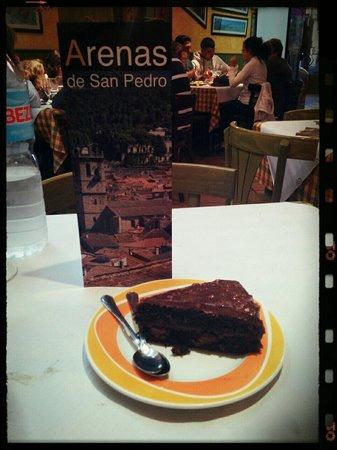 Pizzeria Yasta: Tarta de chocolate...