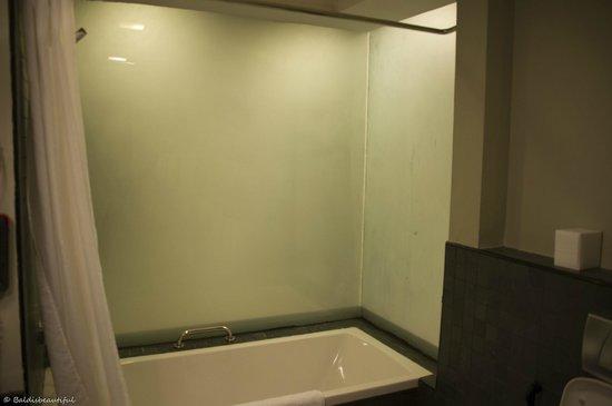 Lotus Hotel Apartments & Spa, Dubai Marina: bathroom