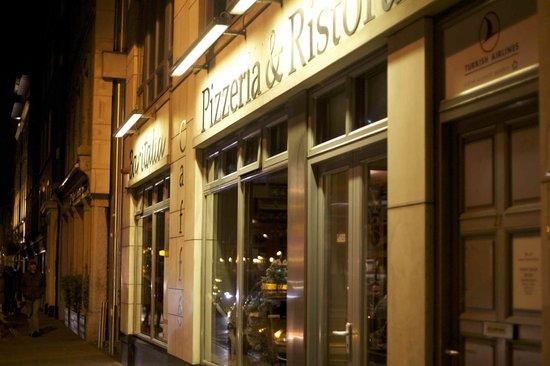 Bar Italia: From outside