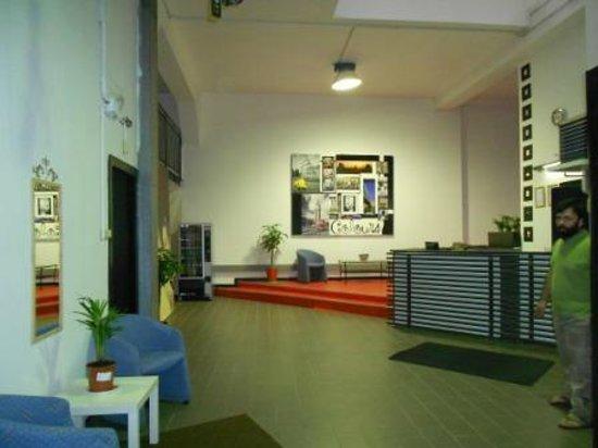 Milan hostel colours desde mil n italia for Hostel milan