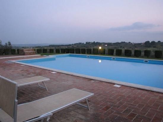 Agriturismo Sanguineto Montepulciano Hotel: la piscina