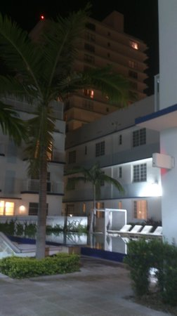 Pestana Miami South Beach: Hotel grounds 2