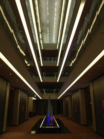 Al Raha Beach Hotel : холл отеля