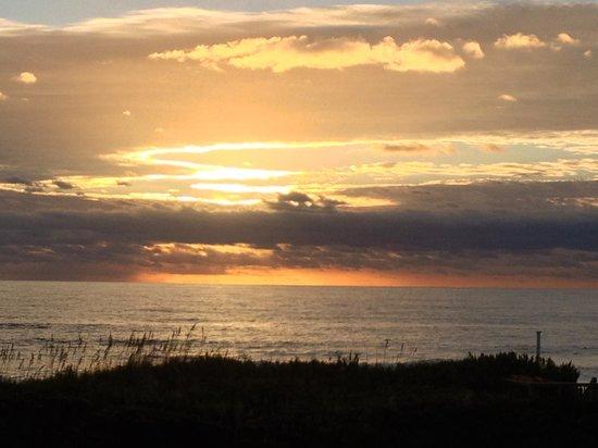 Sanderling Resort: sunset over the sound