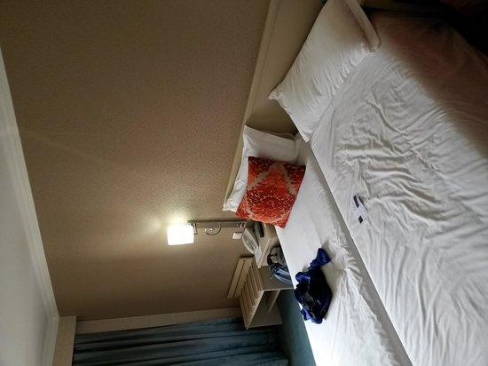 Hotel Olissippo Marques de Sa : room