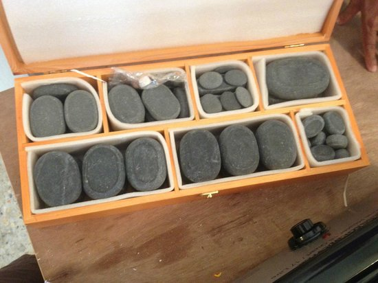 Hot Stone Massage - Picture of Rey Wellness Massage, Lamai