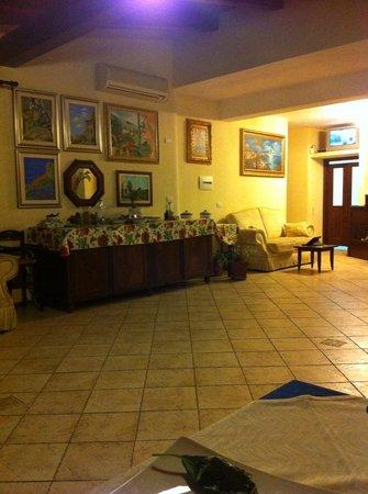 Hotel Borgo Antico : Sala Ristorazione con ricco buffet per colazione