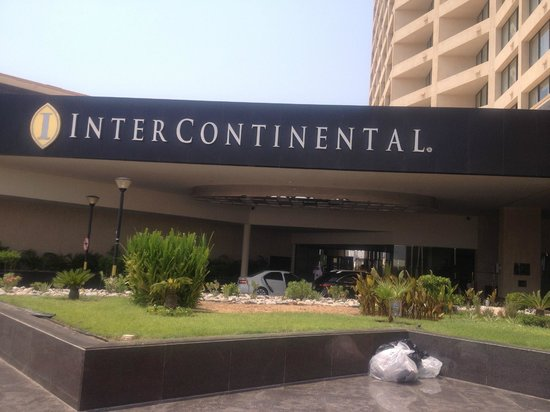 InterContinental Abu Dhabi: Outside of the hotel
