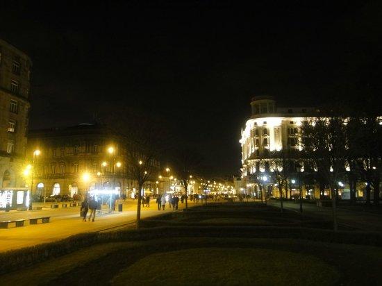 Hotel Bristol, a Luxury Collection Hotel, Warsaw: Ночной вид на Hotel Bristol Warsaw