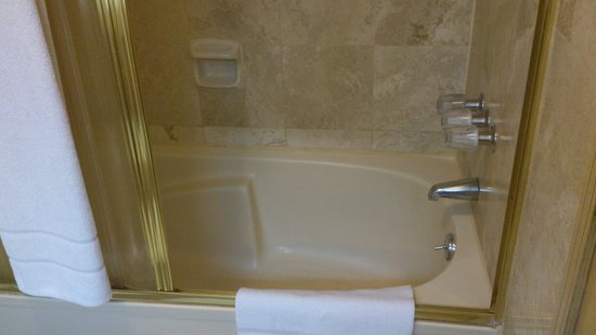 Hotel Jose Antonio Lima: Banheira