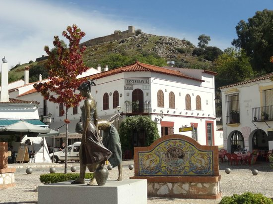 Jose Vicente: Primera visión del castillo de la bellisima Aracena,entrando desde Huelva