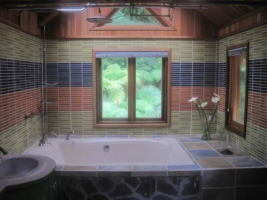 EcoTreat: two person garden tub