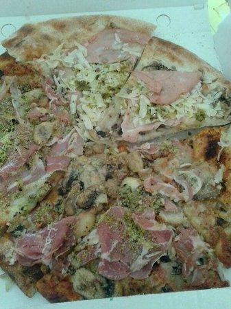 La Tana del Lupo: Il mitico carton pizza