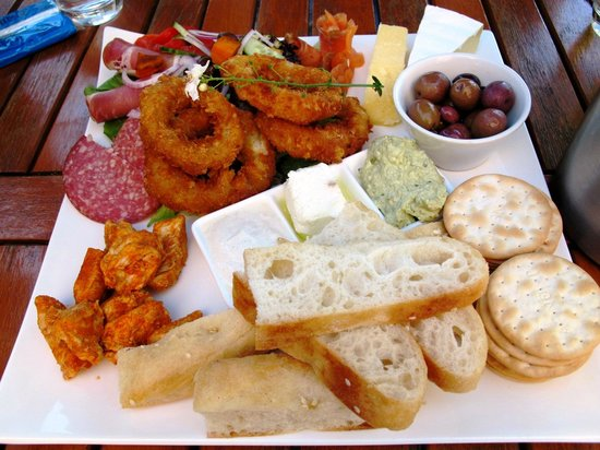 Yarrawood Cellar Door and Cafe: sharing plate