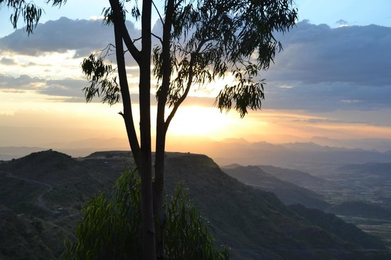 Cliff Edge Hotel - Lalibela: View from the room - sunset
