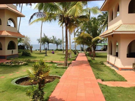 Varkala SeaShore Beach Resort: Garden view