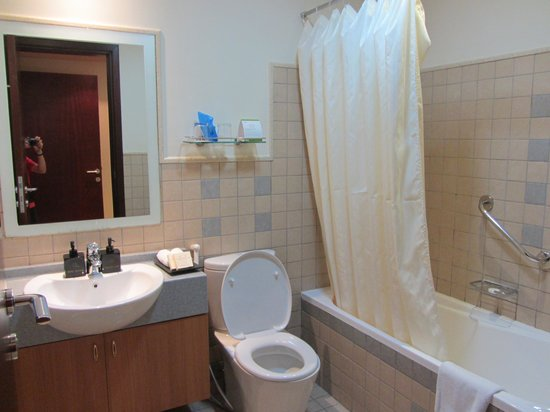 Emirates Grand Hotel: Banheiro
