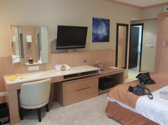 Emirates Grand Hotel: Quarto