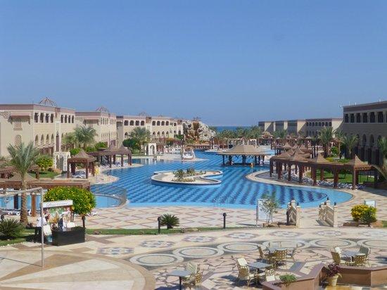 SENTIDO Mamlouk Palace Resort : Piscine principale