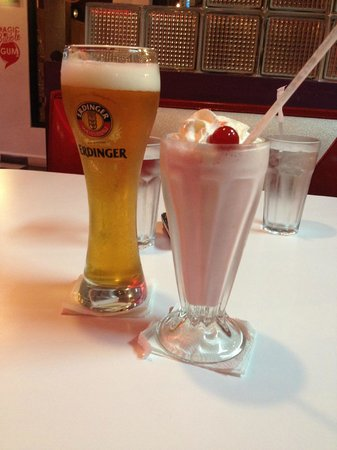 "The Diner : Erdinger Crystal Beer, and ""I love strawberries"" Milkshake"