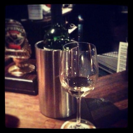 Four Bells Inn: My favourite place to relax and have a glass of wine or a bottle! Such wonderful owners love thi