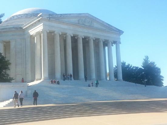 Photo of Jefferson Memorial taken with TripAdvisor City Guides