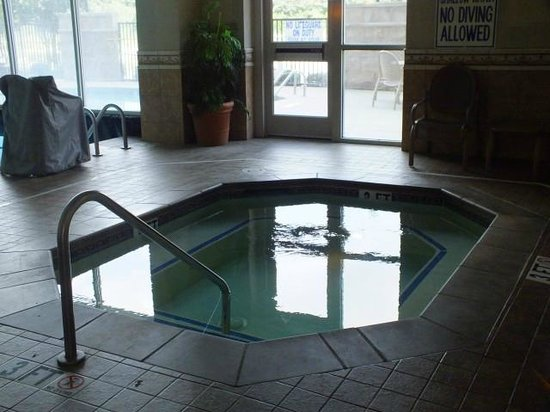 Drury Inn & Suites Greenville: Hot Tub-Jacuzzi