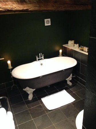 Feversham Arms Hotel & Verbena Spa : room 21
