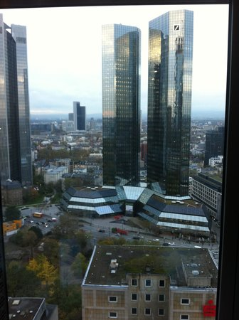 Innside by Melia Frankfurt Eurotheum : View from room