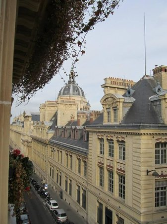 Grand Hotel Saint-Michel: Our view