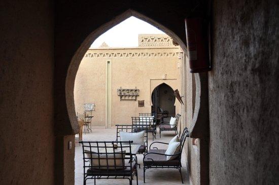 Kasbah Ennasra: doorkijk naar het terras