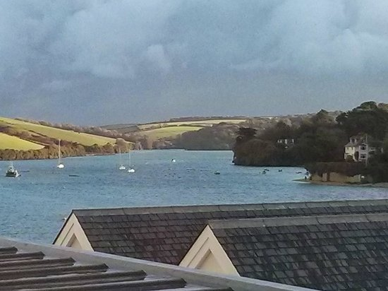 Salcombe Harbour Hotel & Spa: Complimentary tray