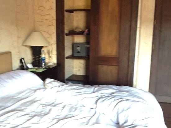 El Convento Boutique Hotel: safety box