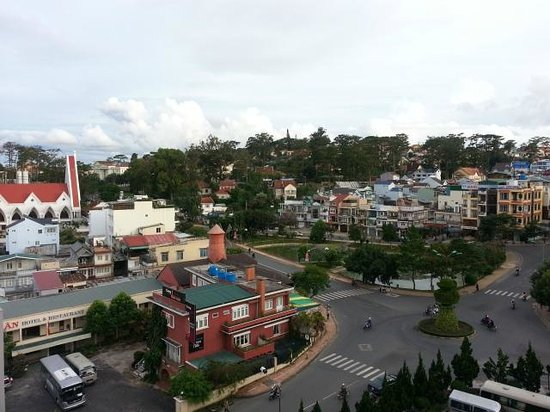 Saigon -  Dalat : View from the balcony