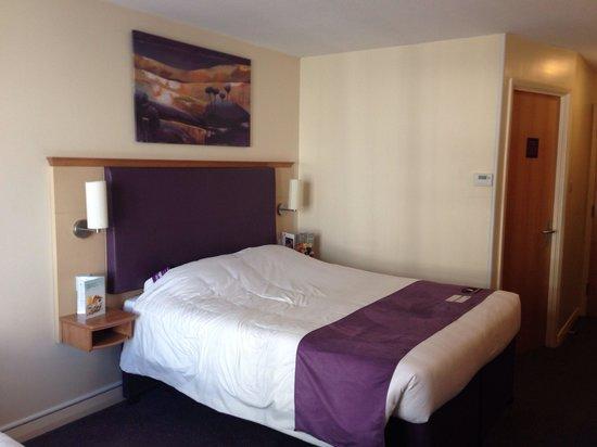 Premier Inn Nottingham City Centre (Goldsmith Street) Hotel: Room 404